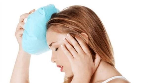 Ból głowy na skroniach z lewej strony lub prawej - co oznacza i jak go leczyć?