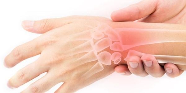 Ból nadgarstka - nadwyrężenie czy skręcenie? Leczenie bólu w nadgarstku