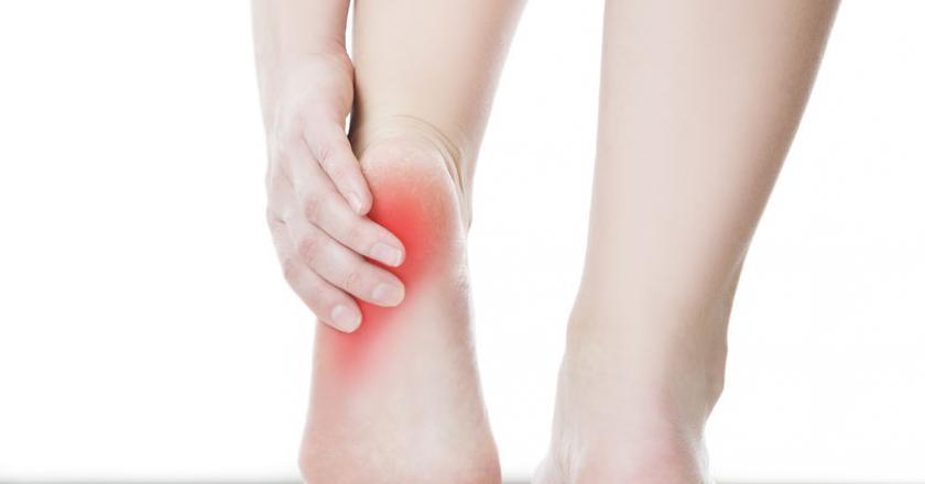 ból piety przy chodzeniu