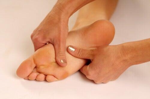 ból stopy podeszwa